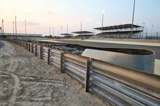 The armco barrier between turns 4 and 5 has two layers of tyres with a conveyor-belt binding installed after the crash of Romain Grosjean (FRA) Haas F1 Team in the Bahrain Grand Prix. 03.12.2020. Formula 1 World Championship, Rd 16, Sakhir Grand Prix, Sakhir, Bahrain, Preparation Day. - www.xpbimages.com, EMail: requests@xpbimages.com © Copyright: Moy / XPB Images