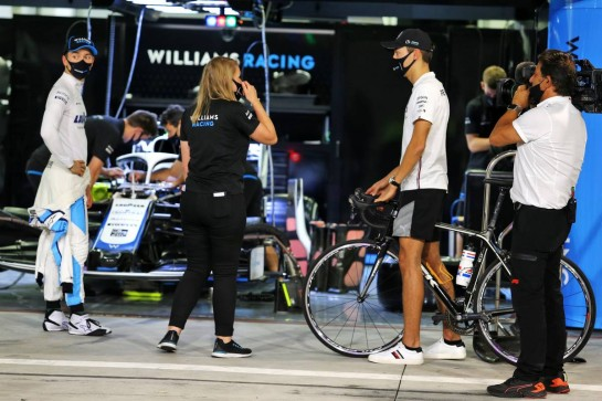 (L to R): Jack Aitken (GBR) / (KOR) Williams Racing with Sophie Ogg (GBR) Williams Racing Head of F1 Communications and George Russell (GBR) Mercedes AMG F1. 03.12.2020. Formula 1 World Championship, Rd 16, Sakhir Grand Prix, Sakhir, Bahrain, Preparation Day. - www.xpbimages.com, EMail: requests@xpbimages.com © Copyright: Moy / XPB Images