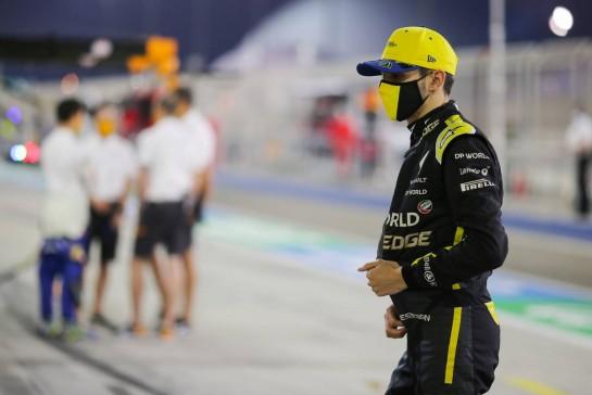 Esteban Ocon (FRA) Renault F1 Team. 05.12.2020. Formula 1 World Championship, Rd 16, Sakhir Grand Prix, Sakhir, Bahrain, Qualifying Day. - www.xpbimages.com, EMail: requests@xpbimages.com © Copyright: Charniaux / XPB Images