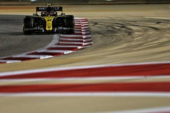 Esteban Ocon (FRA) Renault F1 Team RS20. 05.12.2020. Formula 1 World Championship, Rd 16, Sakhir Grand Prix, Sakhir, Bahrain, Qualifying Day. - www.xpbimages.com, EMail: requests@xpbimages.com © Copyright: Moy / XPB Images