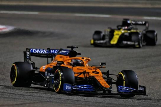Carlos Sainz Jr (ESP) McLaren MCL35. 06.12.2020. Formula 1 World Championship, Rd 16, Sakhir Grand Prix, Sakhir, Bahrain, Race Day. - www.xpbimages.com, EMail: requests@xpbimages.com © Copyright: Moy / XPB Images