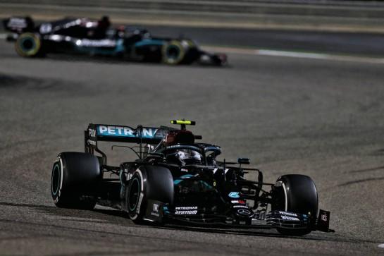 Valtteri Bottas (FIN) Mercedes AMG F1 W11. 06.12.2020. Formula 1 World Championship, Rd 16, Sakhir Grand Prix, Sakhir, Bahrain, Race Day. - www.xpbimages.com, EMail: requests@xpbimages.com © Copyright: Moy / XPB Images