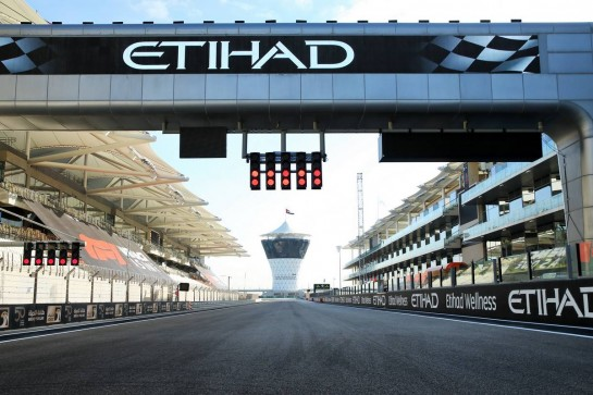 Circuit atmosphere - start / finish straight. 10.12.2020. Formula 1 World Championship, Rd 17, Abu Dhabi Grand Prix, Yas Marina Circuit, Abu Dhabi, Preparation Day. - www.xpbimages.com, EMail: requests@xpbimages.com © Copyright: Batchelor / XPB Images