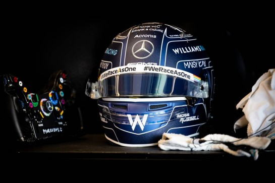 The helmet of George Russell (GBR) Williams Racing. 11.12.2020. Formula 1 World Championship, Rd 17, Abu Dhabi Grand Prix, Yas Marina Circuit, Abu Dhabi, Practice Day. - www.xpbimages.com, EMail: requests@xpbimages.com © Copyright: Bearne / XPB Images