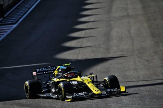 Esteban Ocon (FRA) Renault F1 Team RS20. 11.12.2020. Formula 1 World Championship, Rd 17, Abu Dhabi Grand Prix, Yas Marina Circuit, Abu Dhabi, Practice Day. - www.xpbimages.com, EMail: requests@xpbimages.com © Copyright: Batchelor / XPB Images