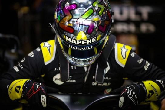 Daniel Ricciardo (AUS) Renault F1 Team RS20. 11.12.2020. Formula 1 World Championship, Rd 17, Abu Dhabi Grand Prix, Yas Marina Circuit, Abu Dhabi, Practice Day. - www.xpbimages.com, EMail: requests@xpbimages.com © Copyright: Charniaux / XPB Images