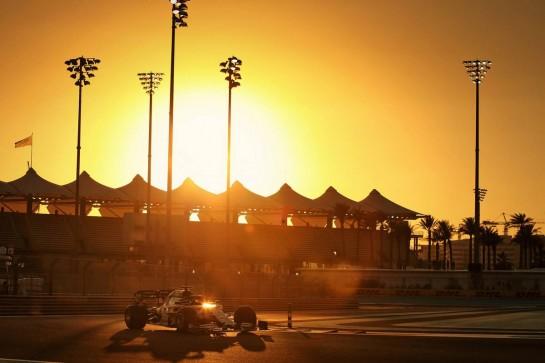 Daniil Kvyat (RUS) AlphaTauri AT01. 11.12.2020. Formula 1 World Championship, Rd 17, Abu Dhabi Grand Prix, Yas Marina Circuit, Abu Dhabi, Practice Day. - www.xpbimages.com, EMail: requests@xpbimages.com © Copyright: Moy / XPB Images
