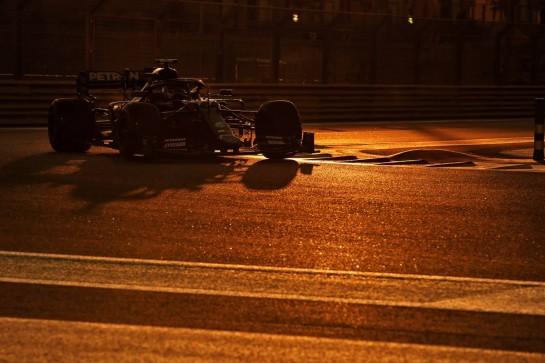 Valtteri Bottas (FIN) Mercedes AMG F1 W11. 11.12.2020. Formula 1 World Championship, Rd 17, Abu Dhabi Grand Prix, Yas Marina Circuit, Abu Dhabi, Practice Day. - www.xpbimages.com, EMail: requests@xpbimages.com © Copyright: Moy / XPB Images