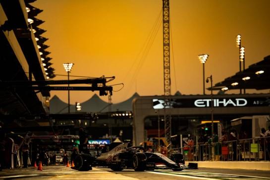 Kevin Magnussen (DEN) Haas VF-20. 11.12.2020. Formula 1 World Championship, Rd 17, Abu Dhabi Grand Prix, Yas Marina Circuit, Abu Dhabi, Practice Day. - www.xpbimages.com, EMail: requests@xpbimages.com © Copyright: Bearne / XPB Images