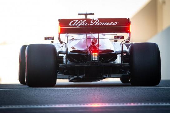 Robert Kubica (POL) Alfa Romeo Racing C39 Reserve Driver. 11.12.2020. Formula 1 World Championship, Rd 17, Abu Dhabi Grand Prix, Yas Marina Circuit, Abu Dhabi, Practice Day. - www.xpbimages.com, EMail: requests@xpbimages.com © Copyright: Bearne / XPB Images