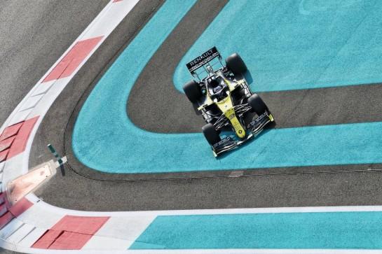 Daniel Ricciardo (AUS) Renault F1 Team RS20 runs wide. 12.12.2020. Formula 1 World Championship, Rd 17, Abu Dhabi Grand Prix, Yas Marina Circuit, Abu Dhabi, Qualifying Day. - www.xpbimages.com, EMail: requests@xpbimages.com © Copyright: Moy / XPB Images