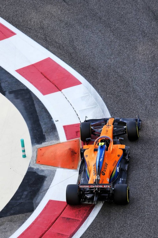 Lando Norris (GBR) McLaren MCL35. 12.12.2020. Formula 1 World Championship, Rd 17, Abu Dhabi Grand Prix, Yas Marina Circuit, Abu Dhabi, Qualifying Day. - www.xpbimages.com, EMail: requests@xpbimages.com © Copyright: Moy / XPB Images