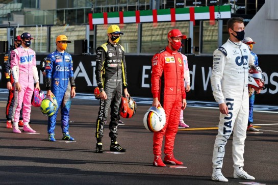 The drivers' end of season group photograph. 13.12.2020. Formula 1 World Championship, Rd 17, Abu Dhabi Grand Prix, Yas Marina Circuit, Abu Dhabi, Race Day. - www.xpbimages.com, EMail: requests@xpbimages.com © Copyright: Moy / XPB Images