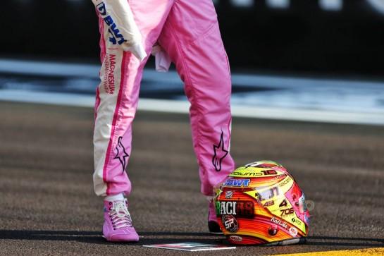 The helmet of Sergio Perez (MEX) Racing Point F1 Team. 13.12.2020. Formula 1 World Championship, Rd 17, Abu Dhabi Grand Prix, Yas Marina Circuit, Abu Dhabi, Race Day. - www.xpbimages.com, EMail: requests@xpbimages.com © Copyright: Moy / XPB Images