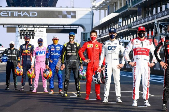 The drivers' end of season group photograph. 13.12.2020. Formula 1 World Championship, Rd 17, Abu Dhabi Grand Prix, Yas Marina Circuit, Abu Dhabi, Race Day. - www.xpbimages.com, EMail: requests@xpbimages.com © Copyright: FIA Pool Image for Editorial Use Only