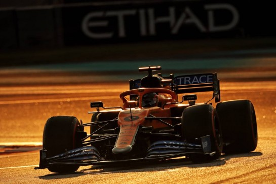 Carlos Sainz Jr (ESP) McLaren MCL35. 13.12.2020. Formula 1 World Championship, Rd 17, Abu Dhabi Grand Prix, Yas Marina Circuit, Abu Dhabi, Race Day. - www.xpbimages.com, EMail: requests@xpbimages.com © Copyright: Moy / XPB Images