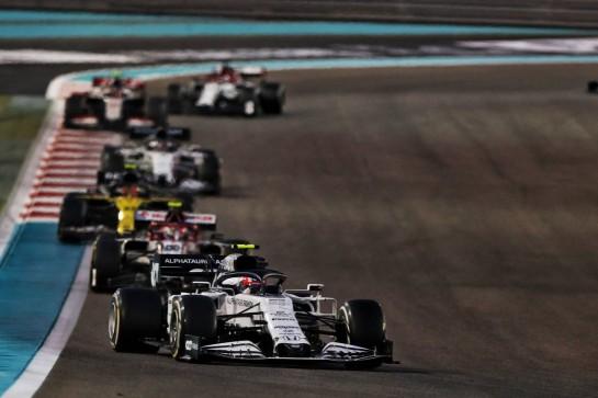 Pierre Gasly (FRA) AlphaTauri AT01. 13.12.2020. Formula 1 World Championship, Rd 17, Abu Dhabi Grand Prix, Yas Marina Circuit, Abu Dhabi, Race Day. - www.xpbimages.com, EMail: requests@xpbimages.com © Copyright: Moy / XPB Images