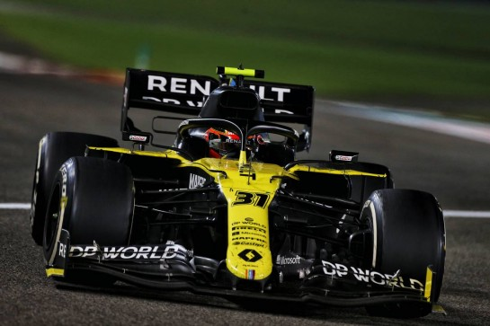 Esteban Ocon (FRA) Renault F1 Team RS20. 13.12.2020. Formula 1 World Championship, Rd 17, Abu Dhabi Grand Prix, Yas Marina Circuit, Abu Dhabi, Race Day. - www.xpbimages.com, EMail: requests@xpbimages.com © Copyright: Moy / XPB Images