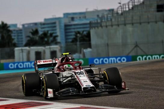 Antonio Giovinazzi (ITA) Alfa Romeo Racing C39. 13.12.2020. Formula 1 World Championship, Rd 17, Abu Dhabi Grand Prix, Yas Marina Circuit, Abu Dhabi, Race Day. - www.xpbimages.com, EMail: requests@xpbimages.com © Copyright: Batchelor / XPB Images