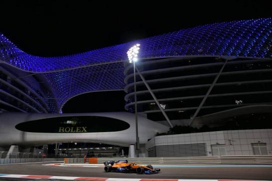 Carlos Sainz Jr (ESP) McLaren MCL35. 13.12.2020. Formula 1 World Championship, Rd 17, Abu Dhabi Grand Prix, Yas Marina Circuit, Abu Dhabi, Race Day. - www.xpbimages.com, EMail: requests@xpbimages.com © Copyright: Batchelor / XPB Images