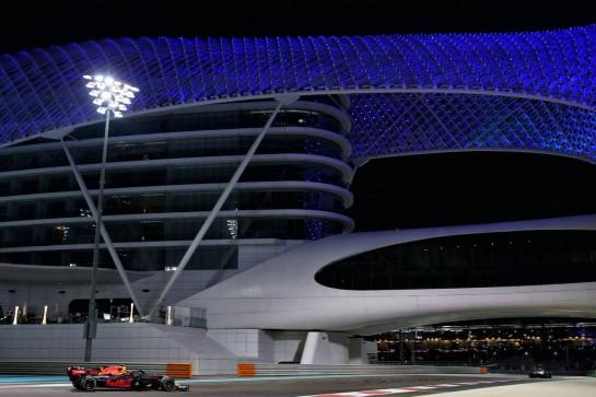 Alexander Albon (THA) Red Bull Racing RB16. 13.12.2020. Formula 1 World Championship, Rd 17, Abu Dhabi Grand Prix, Yas Marina Circuit, Abu Dhabi, Race Day. - www.xpbimages.com, EMail: requests@xpbimages.com © Copyright: Batchelor / XPB Images