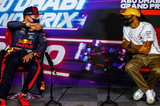 (L to R): Max Verstappen (NLD) Red Bull Racing and Lewis Hamilton (GBR) Mercedes AMG F1 in the post race FIA Press Conference. 13.12.2020. Formula 1 World Championship, Rd 17, Abu Dhabi Grand Prix, Yas Marina Circuit, Abu Dhabi, Race Day. - www.xpbimages.com, EMail: requests@xpbimages.com © Copyright: FIA Pool Image for Editorial Use Only