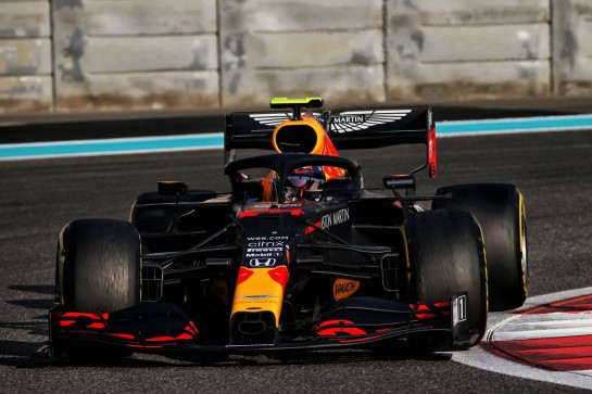 Sebastien Buemi (SUI) Red Bull Racing RB16 Test Driver. 15.12.2020. Formula 1 Testing, Yas Marina Circuit, Abu Dhabi, Tuesday. - www.xpbimages.com, EMail: requests@xpbimages.com © Copyright: Batchelor / XPB Images
