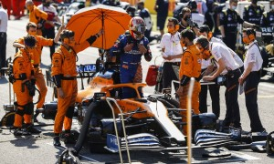 McLaren 'family atmosphere' boosted Sainz confidence - Brown
