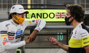 Alonso dreams of sharing a podium with Sainz in 2021