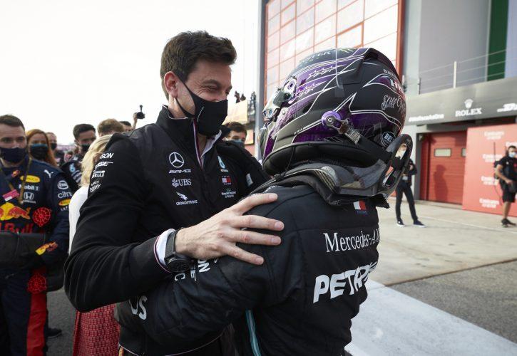 Wolff: Curveballs behind Hamilton's delayed contract