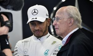 Hamilton pays tribute to passed Mercedes executive Hubbert