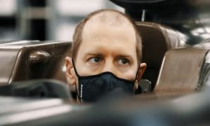 Vettel cleans up the split ends ahead of fresh start
