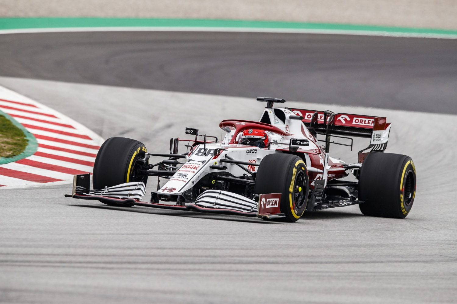 Kubica puts new Alfa Romeo through its paces in Barcelona