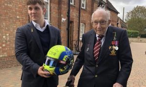 F1 community pays heartfelt tribute to Captain Sir Tom