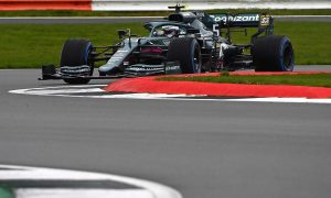 Green: Vettel driving style 'a lot less extreme' than Perez