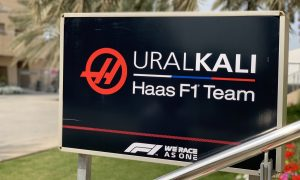 Haas finally fires up new VF-21 in Bahrain