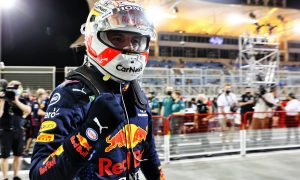 Verstappen takes emphatic pole with stellar final lap