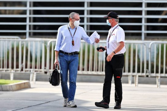 Stefano Domenicali (ITA) Formula One President and CEO (Left). 12.03.2021. Formula 1 Testing, Sakhir, Bahrain, Day One. - www.xpbimages.com, EMail: requests@xpbimages.com © Copyright: Moy / XPB Images