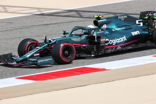 Sebastian Vettel (GER) Aston Martin F1 Team AMR21. 12.03.2021. Formula 1 Testing, Sakhir, Bahrain, Day One. - www.xpbimages.com, EMail: requests@xpbimages.com © Copyright: Charniaux / XPB Images