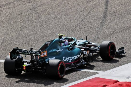 Sebastian Vettel (GER) Aston Martin F1 Team AMR21. 12.03.2021. Formula 1 Testing, Sakhir, Bahrain, Day One. - www.xpbimages.com, EMail: requests@xpbimages.com © Copyright: Batchelor / XPB Images