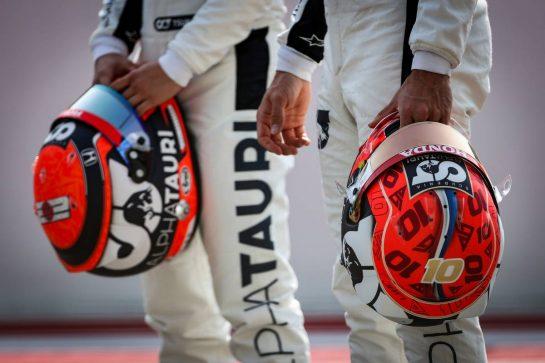 Pierre Gasly (FRA), AlphaTauri F1 and Yuki Tsunoda (JPN), Alpha Tauri 12.03.2021. Formula 1 Testing, Sakhir, Bahrain, Day One.- www.xpbimages.com, EMail: requests@xpbimages.com © Copyright: Charniaux / XPB Images