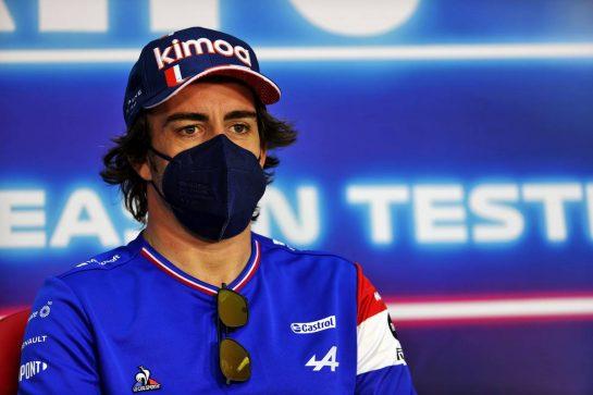 Fernando Alonso (ESP) Alpine F1 Team in the FIA Press Conference. 12.03.2021. Formula 1 Testing, Sakhir, Bahrain, Day One. - www.xpbimages.com, EMail: requests@xpbimages.com © Copyright: Batchelor / XPB Images