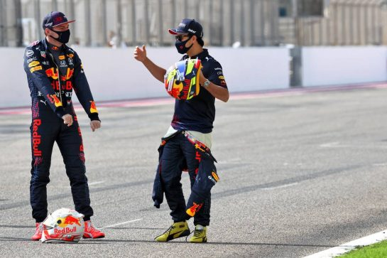 (L to R): Max Verstappen (NLD) Red Bull Racing and Sergio Perez (MEX) Red Bull Racing. 12.03.2021. Formula 1 Testing, Sakhir, Bahrain, Day One. - www.xpbimages.com, EMail: requests@xpbimages.com © Copyright: Batchelor / XPB Images