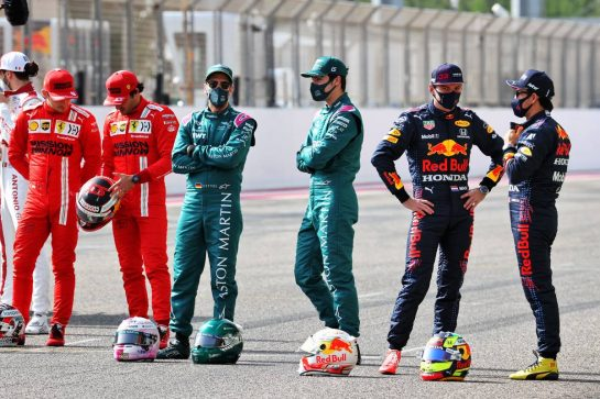 (L to R): Charles Leclerc (MON) Ferrari; Carlos Sainz Jr (ESP) Ferrari; Sebastian Vettel (GER) Aston Martin F1 Team; Lance Stroll (CDN) Aston Martin F1 Team; Max Verstappen (NLD) Red Bull Racing; Sergio Perez (MEX) Red Bull Racing. 12.03.2021. Formula 1 Testing, Sakhir, Bahrain, Day One. - www.xpbimages.com, EMail: requests@xpbimages.com © Copyright: Batchelor / XPB Images