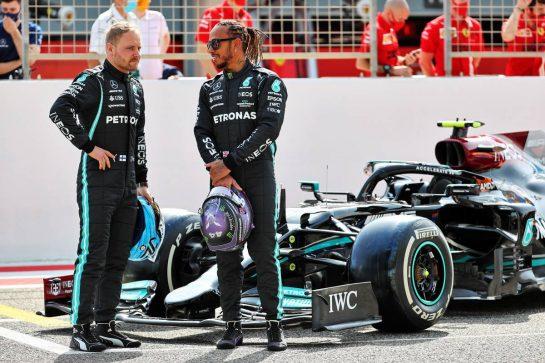 (L to R): Valtteri Bottas (FIN) Mercedes AMG F1 and Lewis Hamilton (GBR) Mercedes AMG F1. 12.03.2021. Formula 1 Testing, Sakhir, Bahrain, Day One. - www.xpbimages.com, EMail: requests@xpbimages.com © Copyright: Batchelor / XPB Images