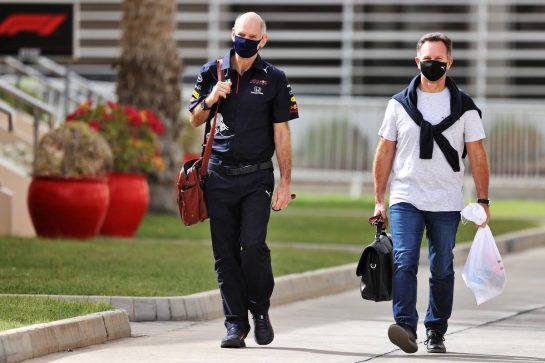 (L to R): Adrian Newey (GBR) Red Bull Racing Chief Technical Officer with Christian Horner (GBR) Red Bull Racing Team Principal. 13.03.2021. Formula 1 Testing, Sakhir, Bahrain, Day Two. - www.xpbimages.com, EMail: requests@xpbimages.com © Copyright: Moy / XPB Images