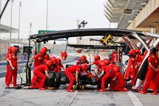Charles Leclerc (MON) Ferrari SF-21 practices a pit stop. 13.03.2021. Formula 1 Testing, Sakhir, Bahrain, Day Two. - www.xpbimages.com, EMail: requests@xpbimages.com © Copyright: Moy / XPB Images
