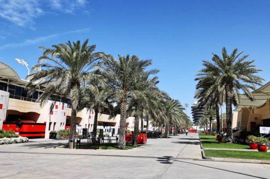 Paddock atmosphere. 14.03.2021. Formula 1 Testing, Sakhir, Bahrain, Day Three. - www.xpbimages.com, EMail: requests@xpbimages.com © Copyright: Moy / XPB Images