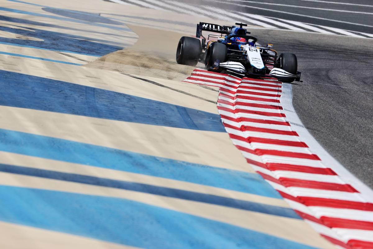George Russell (GBR) Williams Racing FW43B runs wide.