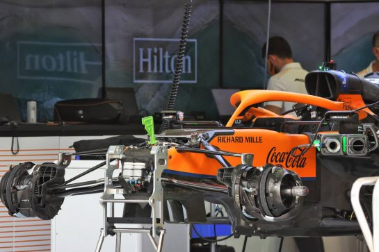 McLaren MCL35M being prepared. 25.03.2021. Formula 1 World Championship, Rd 1, Bahrain Grand Prix, Sakhir, Bahrain, Preparation Day. - www.xpbimages.com, EMail: requests@xpbimages.com © Copyright: Batchelor / XPB Images